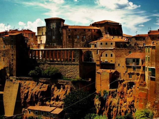 Fortezza Orsini e Acquedotto mediceo di Pitigliano (GR) Foto Diego Alessandri